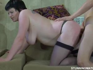 Guy Fucks Russian Mature aunt in..