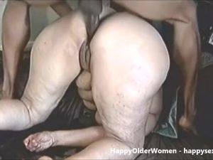 Squirting granny ass fucked
