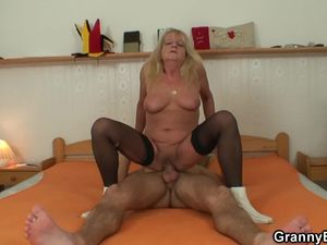 Blonde saggy old granny has sex with a..
