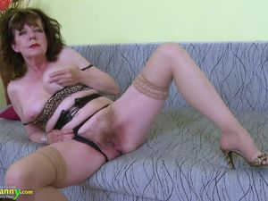 OldNannY Great Mature Hairy Pussy Toy..