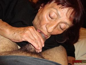 LatinaGrannY Horny Amateur Old Latin..