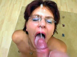 German Mature Gets Dildoed