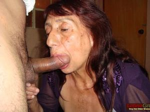 LatinaGrannY Amateur Latin Granny Photos..