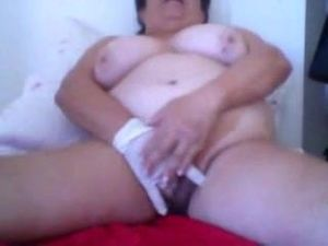 Brazilian granny masturbating webcam