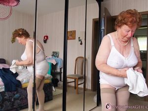 OmaGeiL Amateur Nude Mature Pictures..