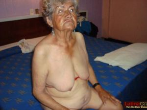 LatinaGrannY Sexy Nude Pictures Of Old..