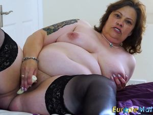 EuropeMaturE Busty Curvy Mature Toy..