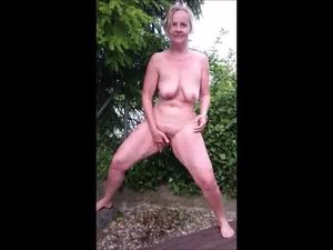 Mature Mom Pissing